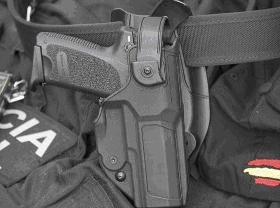 Las fundas antihurto pueden salvar la vida de un agente o de los propios ciudadanos.