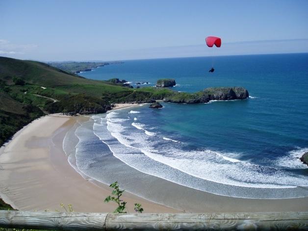 Playa de Torimbia, en la localidad asturiana de Llanes, donde sucedieron los hechos.