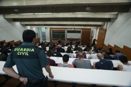 Imagen de archivo de un examen de oposición para el ingreso en la Guardia Civil.