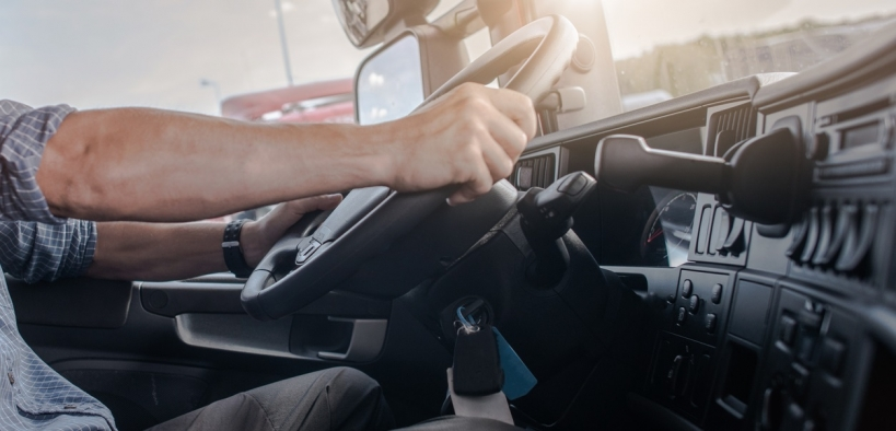 La sanción se desencadenó tras la retirada del permiso de conducir del agente.