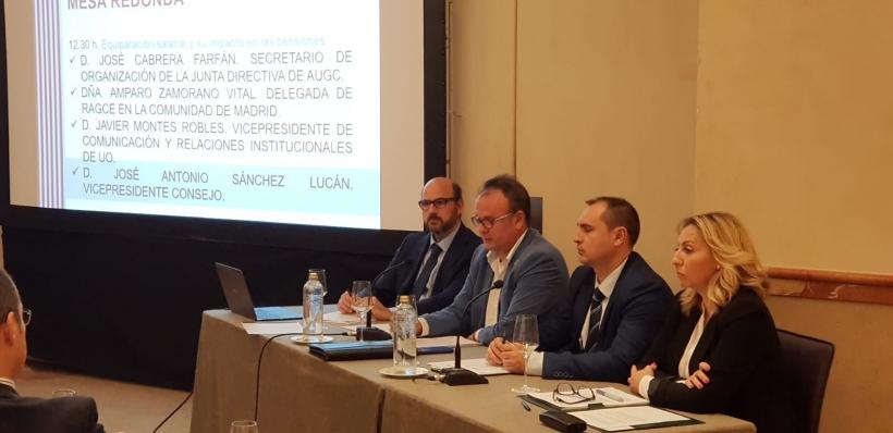 El secretario nacional de Organización de AUGC, José Cabrera Farfán (segundo por la izquierda), expuso en el Congreso las propuestas de nuestra asociación.