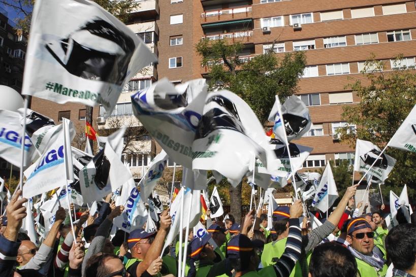 Imagen de la Marea de Tricornios, manifestación celebrada en noviembre de 2015 ante la Dirección General de la Guardia Civil.
