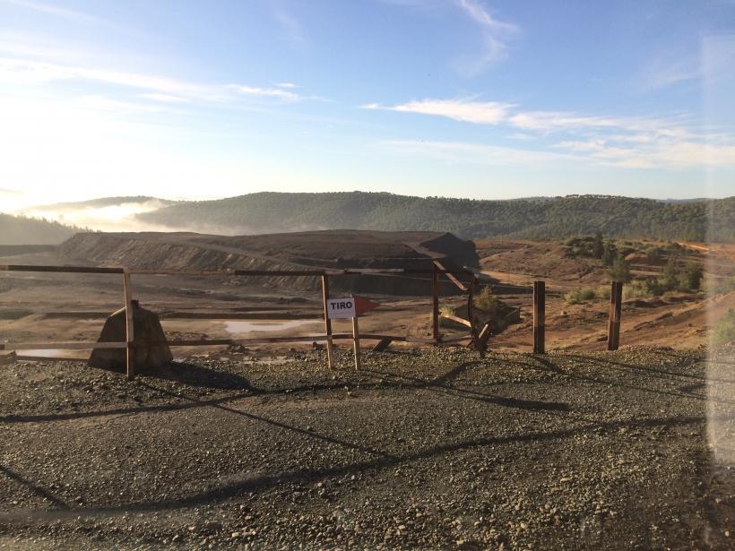 Los guardias civiles de Huelva deben hacer sus ejercicios de tiro en una mina abandonada sin instalaciones sanitarias.