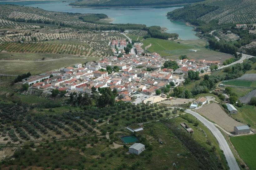 Vista aérea de la localidad granadina de Arenas del Rey.
