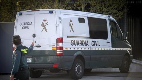 Furgón de la Guardia Civil.