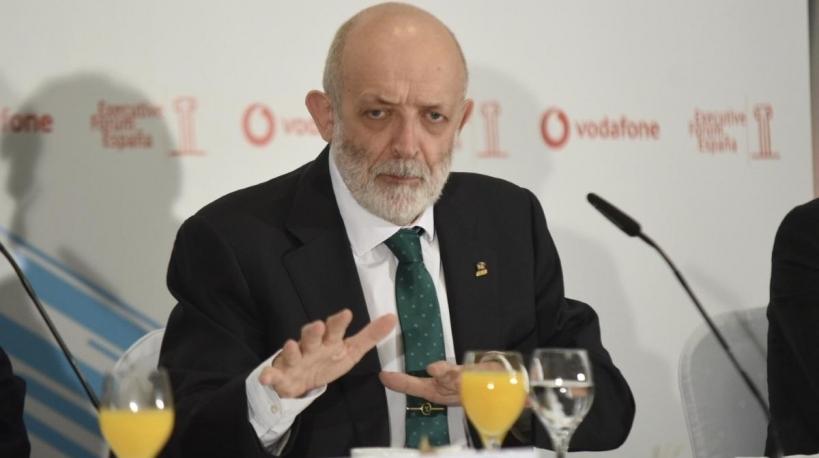 El director general de la Guardia Civil, Félix Azón, sigue demostrando que no está capacitado para seguir un día más al frente de la institución.