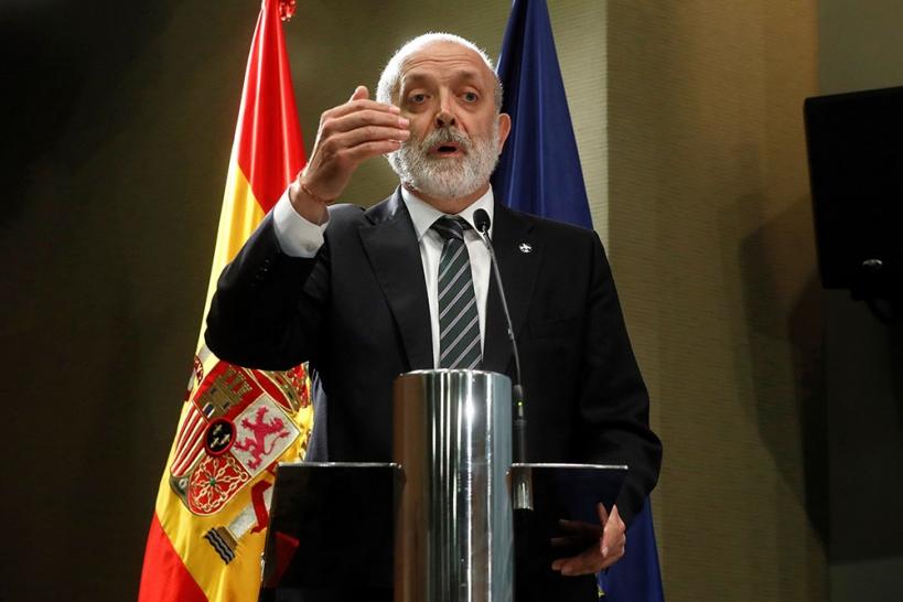 Félix Azón, director general de la Guardia Civil, sigue dando la espalda a los trabajadores de la institución.