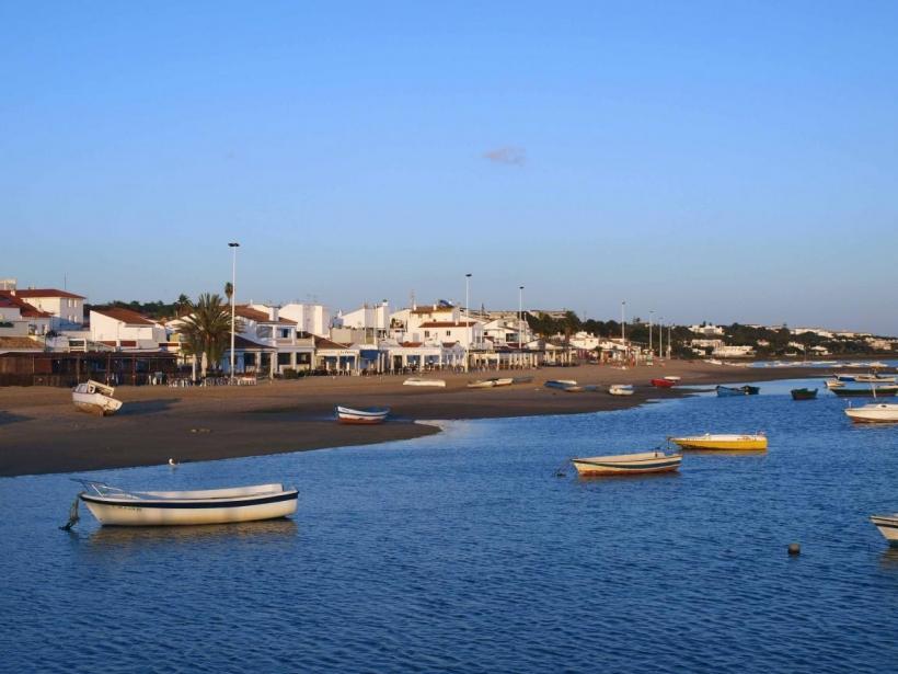 El Rompido es uno de los municipios onubenses afectados por la falta de efectivos de la Guardia Civil.