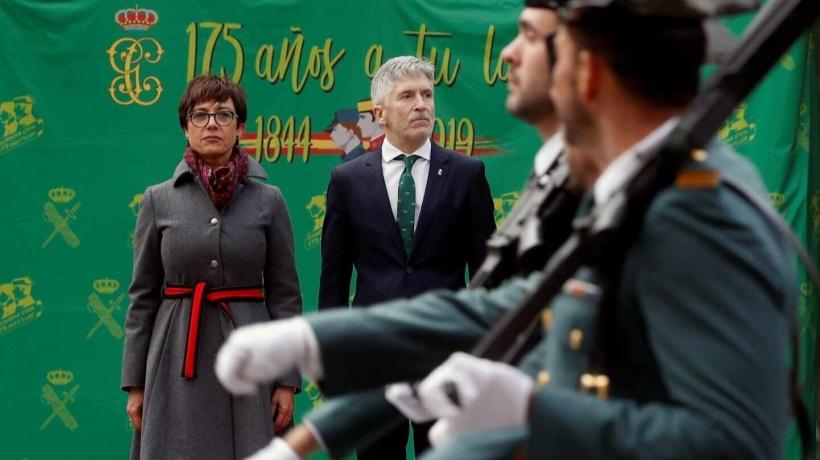 María Gámez, en su toma de posesión como directora general de la Guardia Civil, junto al ministro del Interior, Fernando Grande-Marlaska.